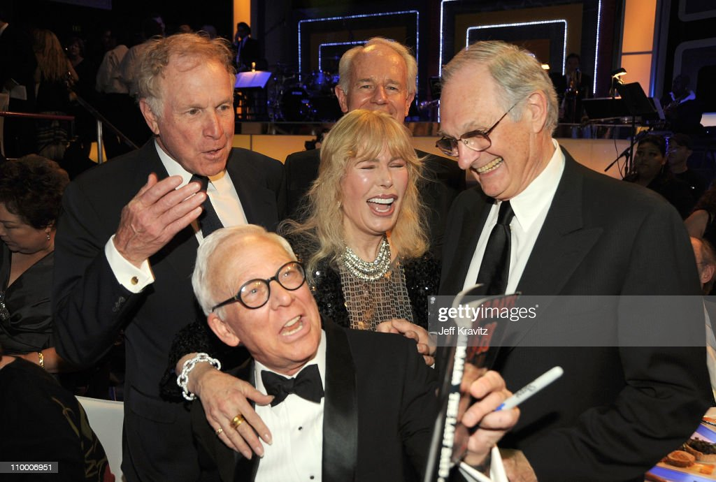Wayne Rogers Mike Farrell Alan Alda Loretta Swit and William Christoper Cast of MASH at the 7th Annual TV Land Awards held at Gibson Amphitheatre on...