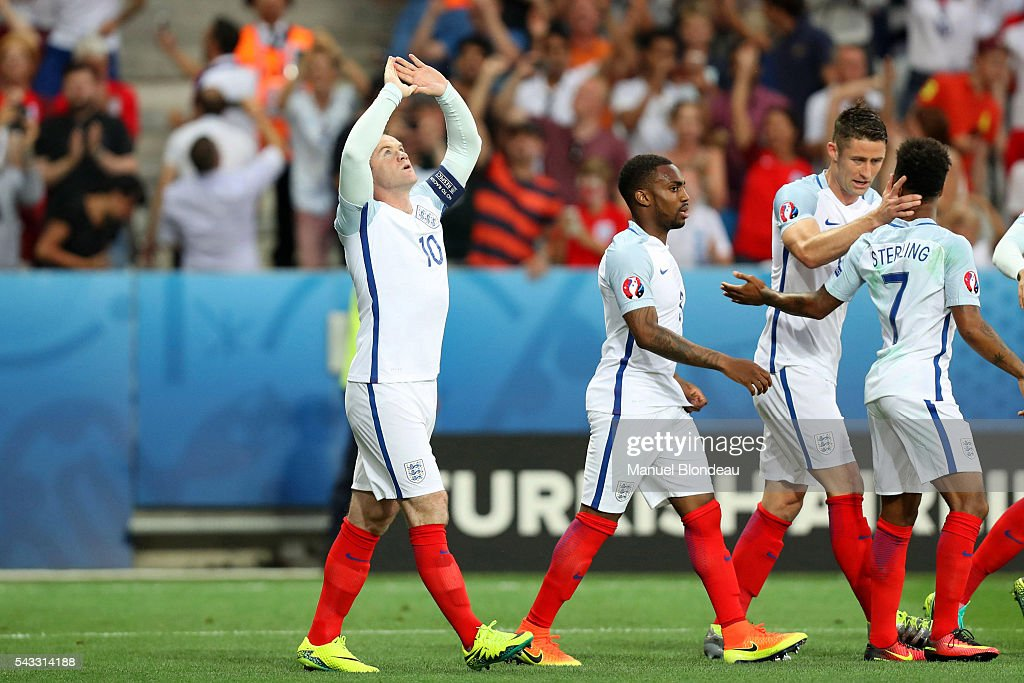 Wayne Rooney celebrates scoring his goal during the European Championship match Round of 16 between England and Iceland at Allianz Riviera Stadium on June 27, 2016 in Nice, France.