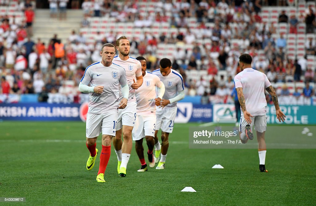 <a gi-track='captionPersonalityLinkClicked' href=/galleries/search?phrase=Wayne+Rooney&family=editorial&specificpeople=157598 ng-click='$event.stopPropagation()'>Wayne Rooney</a> of England during the pre match warm up prior to the UEFA EURO 2016 round of 16 match between England and Iceland at Allianz Riviera Stadium on June 27, 2016 in Nice, France.