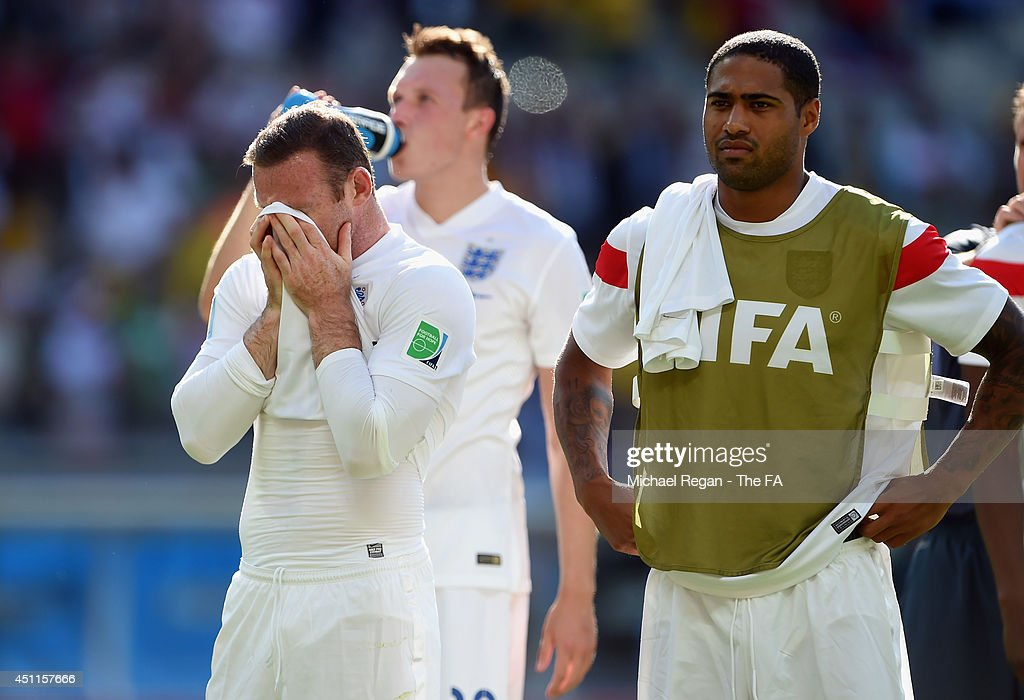 Wayne Rooney of England (L) reacts as teammate Glen Johnson looks on after a 0-0 draw during the 2014 FIFA World Cup Brazil Group D match between Costa Rica and England at Estadio Mineirao on June 24, 2014 in Belo Horizonte, Brazil.