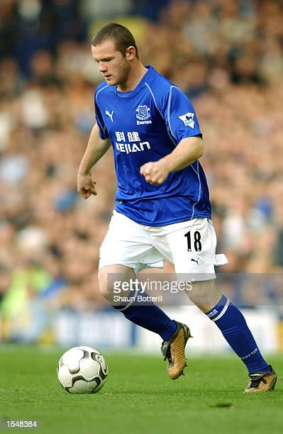 Wayne Rooney of Everton in action during the FA Barclaycard Premiership match between Everton and Arsenal at Goodison Park in Liverpool on October 19...