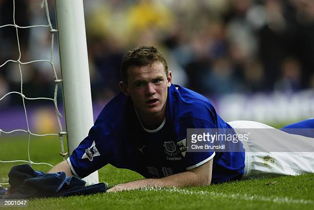 Wayne Rooney of Everton misses a great chance to score during the FA Barclaycard Premiership match between Everton and Manchester United held on May...
