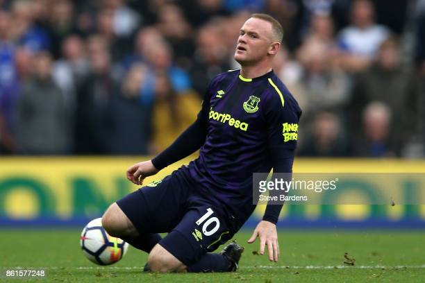 Wayne Rooney of Everton reacts during the Premier League match between Brighton and Hove Albion and Everton at Amex Stadium on October 15 2017 in...