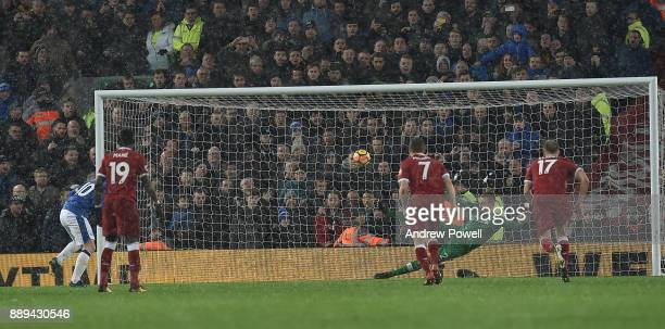 Wayne Rooney of Everton Scores the Equiliser during the Premier League match between Liverpool and Everton at Anfield on December 10 2017 in...