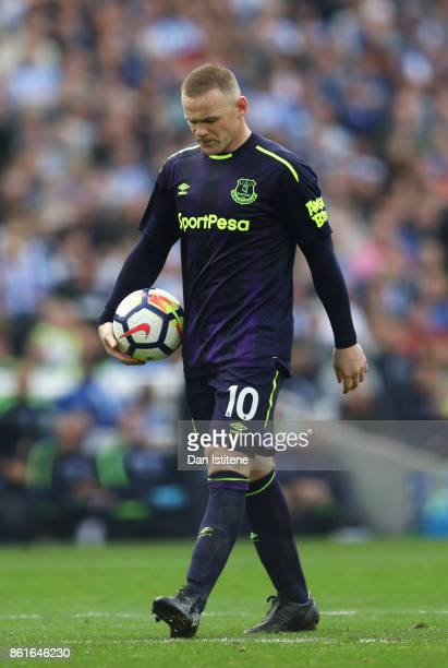 Wayne Rooney of Everton walks to the penalty spot with the ball during the Premier League match between Brighton and Hove Albion and Everton at Amex...