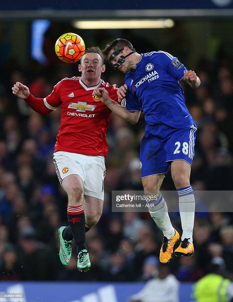 Wayne Rooney of Manchester United and Cesar Azpilicueta of Chelsea during the Barclays Premier League match between Chelsea and Manchester United at Stamford Bridge on February 7, 2016 in London, England.