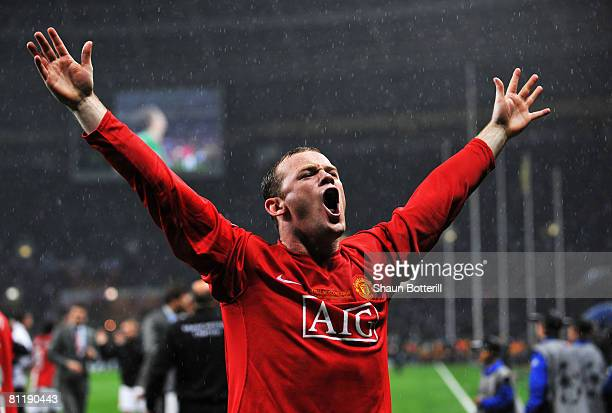 Wayne Rooney of Manchester United celebrates his team's 65 victory in the penalty shootout during the UEFA Champions League Final match between...