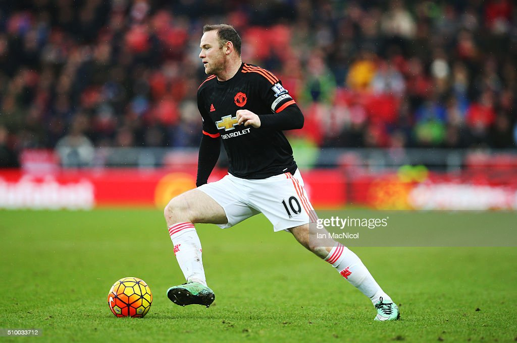 <a gi-track='captionPersonalityLinkClicked' href=/galleries/search?phrase=Wayne+Rooney&family=editorial&specificpeople=157598 ng-click='$event.stopPropagation()'>Wayne Rooney</a> of Manchester United controls the ball during the Barclays Premier m/ match between Sunderland and Manchester United at The Stadium of Light on February 13, 2016 in Sunderland, England.