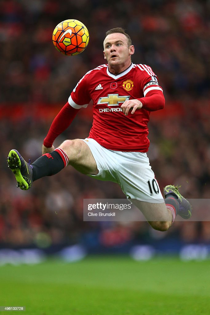 <a gi-track='captionPersonalityLinkClicked' href=/galleries/search?phrase=Wayne+Rooney&family=editorial&specificpeople=157598 ng-click='$event.stopPropagation()'>Wayne Rooney</a> of Manchester United controls the ball during the Barclays Premier League match between Manchester United and West Bromwich Albion at Old Trafford on November 7, 2015 in Manchester, England.