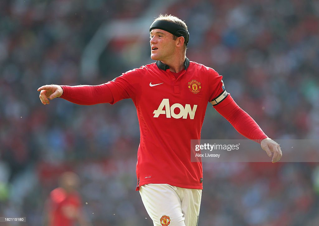 <a gi-track='captionPersonalityLinkClicked' href=/galleries/search?phrase=Wayne+Rooney&family=editorial&specificpeople=157598 ng-click='$event.stopPropagation()'>Wayne Rooney</a> of Manchester United during the Barclays Premier League match between Manchester United and West Bromwich Albion at Old Trafford on September 28, 2013 in Manchester, England.