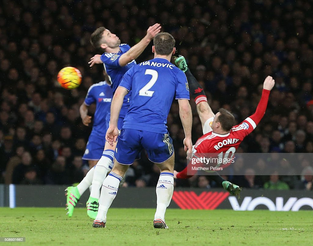 <a gi-track='captionPersonalityLinkClicked' href=/galleries/search?phrase=Wayne+Rooney&family=editorial&specificpeople=157598 ng-click='$event.stopPropagation()'>Wayne Rooney</a> of Manchester United in action with <a gi-track='captionPersonalityLinkClicked' href=/galleries/search?phrase=Gary+Cahill&family=editorial&specificpeople=204341 ng-click='$event.stopPropagation()'>Gary Cahill</a> of Chelsea during the Barclays Premier League match between Chelsea and Manchester United at Stamford Bridge on February 7 2016 in London, England.