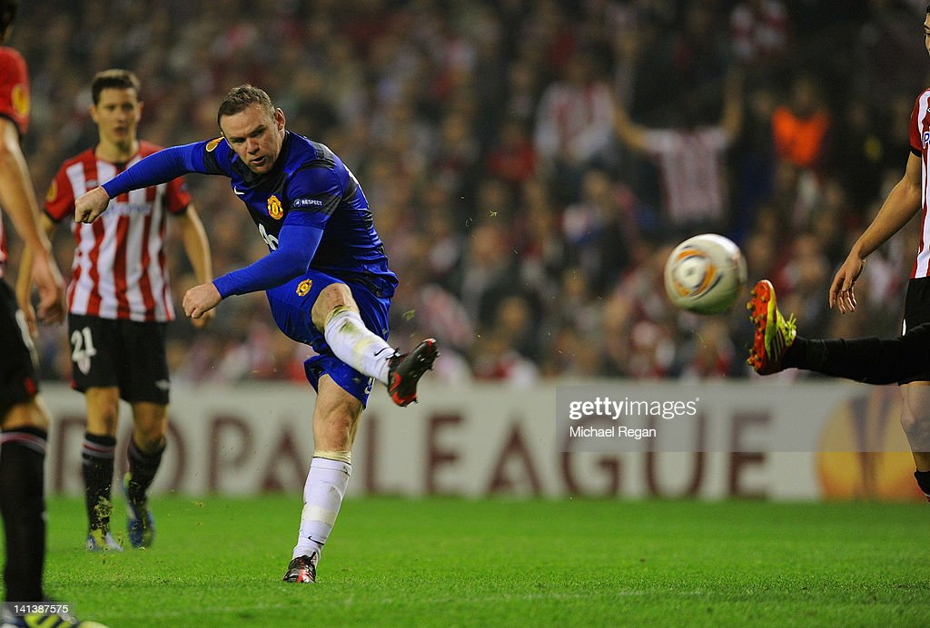 Wayne Rooney of Manchester United scores to make it 2-1 during the UEFA Europa League Round of 16 second leg match between Manchester United and Athletic Bilbao at San Mames Stadium on March 15, 2012 in Bilbao, Spain.