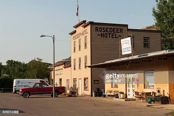 Wayne Rosedeer Hotel