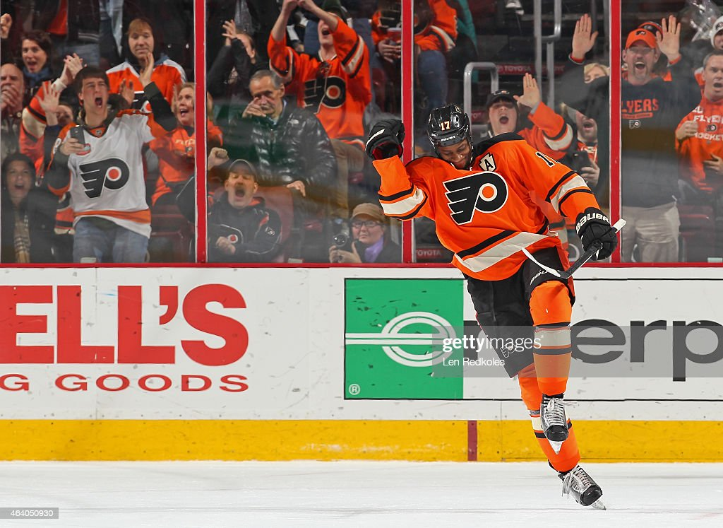 Wayne Simmonds of the Philadelphia Flyers celebrates after his shootout goal against the Nashville Predators on February 21 2015 at the Wells Fargo...