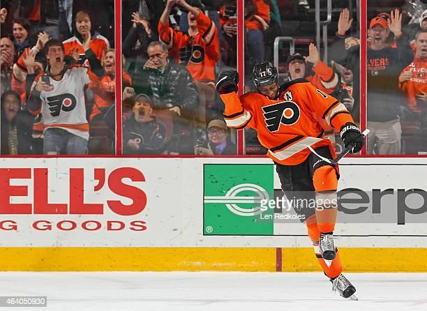 Wayne Simmonds of the Philadelphia Flyers celebrates after his shootout goal against the Nashville Predators on February 21 2015 at the Wells Fargo...