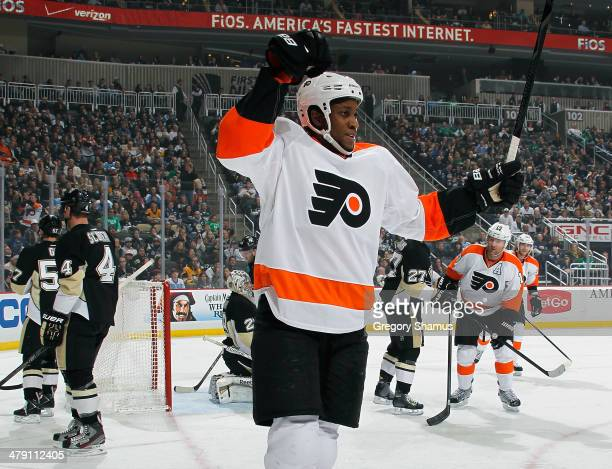Wayne Simmonds of the Philadelphia Flyers celebrates his goal during the first period against the Pittsburgh Penguins on March 16 2014 at Consol...
