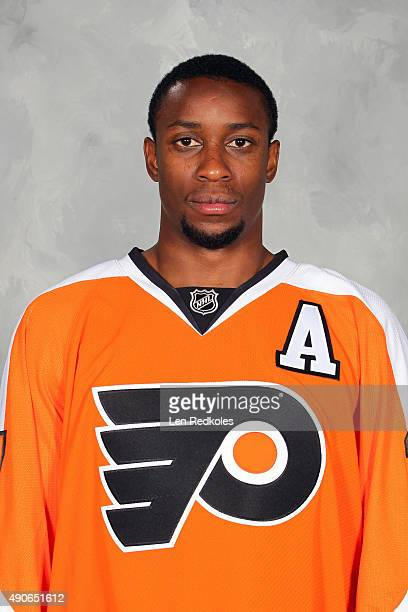 Wayne Simmonds of the Philadelphia Flyers poses for his official headshot for the 20152016 season on September 18 2015 at the Virtua Flyers Skate...