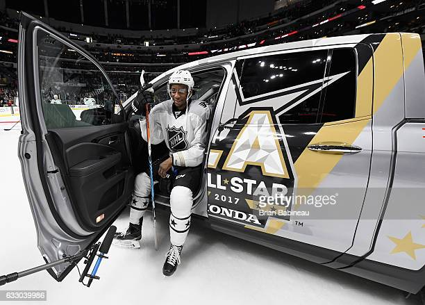 Wayne Simmonds of the Philadelphia Flyers sits in his Honda vehicle after being named the 2017 Honda NHL AllStar Game MVP after the Metropolitan...