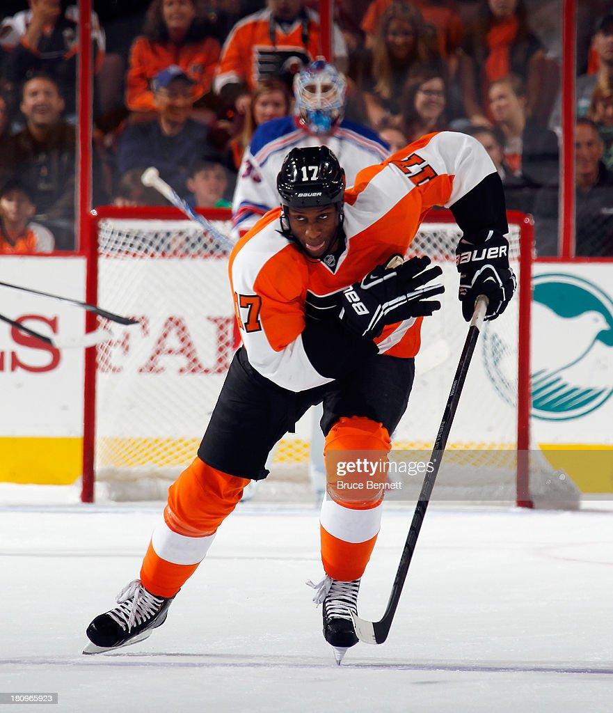 Wayne Simmonds #17 of the Philadelphia Flyers skates against the New York Rangers during a preseason game at the Wells Fargo Center on September 17, 2013 in Philadelphia, Pennsylvania.