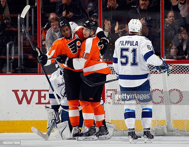 Wayne Wayne Simmonds and Brayden Schenn of the Philadelphia Flyers celebrate a first period powerplay goal by Wayne Simmonds against the Tampa Bay...