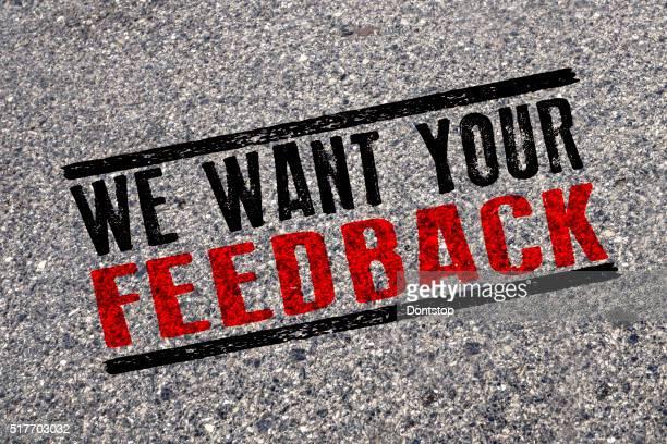 Nous voulons vos commentaires, mots sur route asphaltée