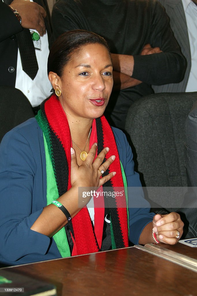 Wearing a scraf in the colours of the Libyan flag, visiting U.S. Ambassador to the United Nations Susan Rice visits the eastern city of Benghazi, on November 22, 2011, the day after visiting the Libyan capital Tripoli. AFP PHOTO/STR