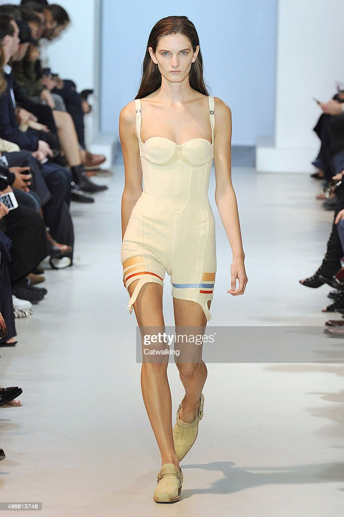 Shapewear lingerie look - Trend SS16 fashion