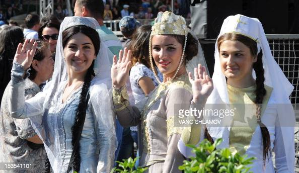 Wearing traditional costumes Georgian women take part in the annual Tbilisoba City Day celebration in Tbilisi on October 6 2012 AFP PHOTO / VANO...