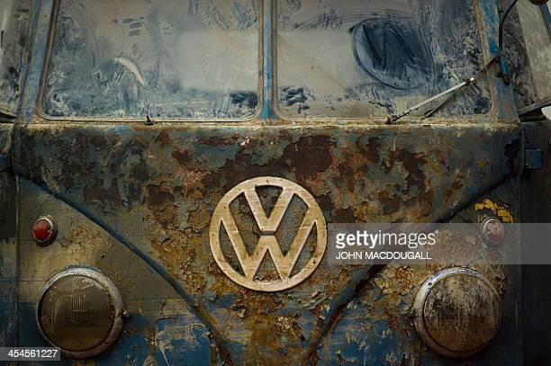 A weatherbeaten Volkswagen T1 van built in 1951 is on display at a Volkswagen workshop specialised in restoring vintage T1 T2 T3 and T4 vans in...