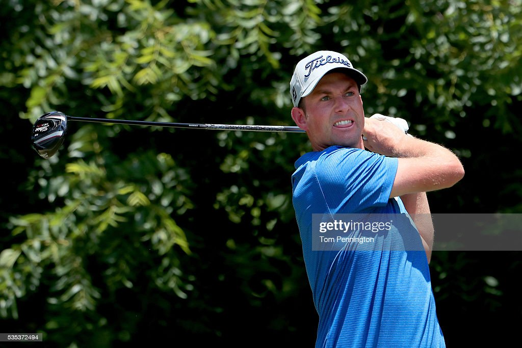 <a gi-track='captionPersonalityLinkClicked' href=/galleries/search?phrase=Webb+Simpson&family=editorial&specificpeople=4466575 ng-click='$event.stopPropagation()'>Webb Simpson</a> plays his shot from the sixth tee during the Final Round of the DEAN & DELUCA Invitational at Colonial Country Club on May 29, 2016 in Fort Worth, Texas.