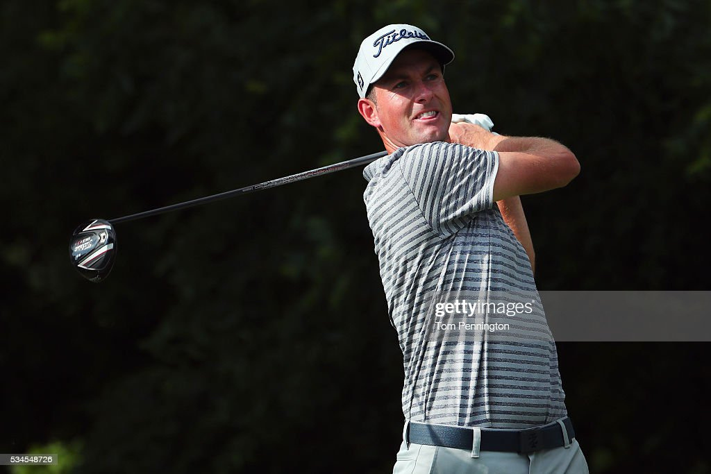 <a gi-track='captionPersonalityLinkClicked' href=/galleries/search?phrase=Webb+Simpson&family=editorial&specificpeople=4466575 ng-click='$event.stopPropagation()'>Webb Simpson</a> plays his shot from the sixth tee during the First Round of the DEAN & DELUCA Invitational at Colonial Country Club on May 26, 2016 in Fort Worth, Texas.