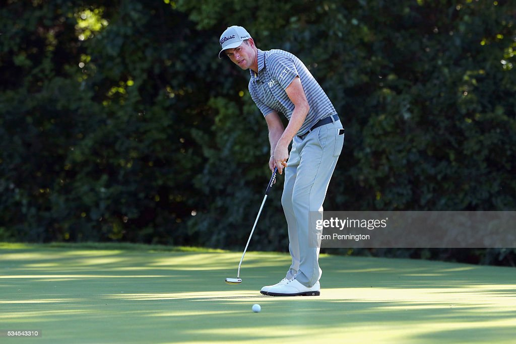 <a gi-track='captionPersonalityLinkClicked' href=/galleries/search?phrase=Webb+Simpson&family=editorial&specificpeople=4466575 ng-click='$event.stopPropagation()'>Webb Simpson</a> putts on the seventh green during the First Round of the DEAN & DELUCA Invitational at Colonial Country Club on May 26, 2016 in Fort Worth, Texas.