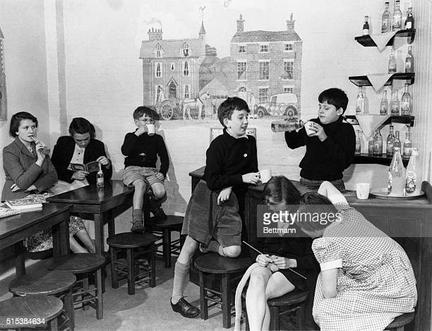 We'd call it a 'kids' bar' in the USA but in England it's a children's puba place where the youngsters get together for a soda pop This one is in the...