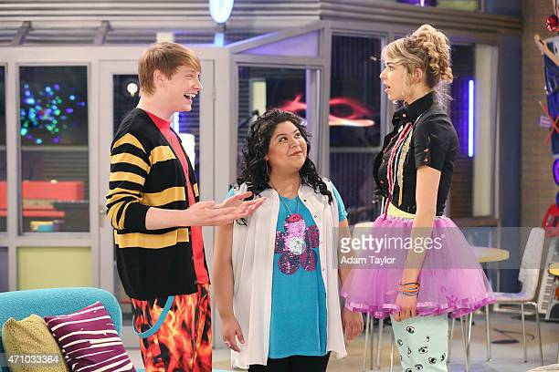AUSTIN ALLY 'Wedding Bells Wacky Birds' When Austin and Ally are paired together in Home Ec they get to imagine life together as a married couple...