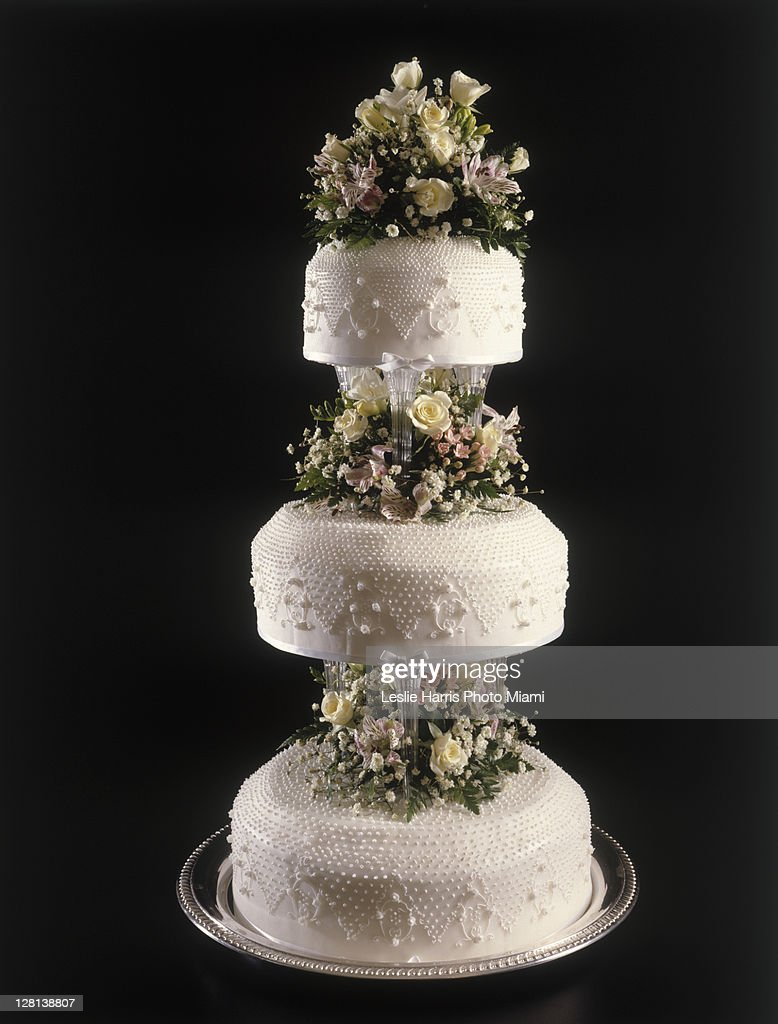 Holce013 wedding cake photo getty images for Interieur wedding cake