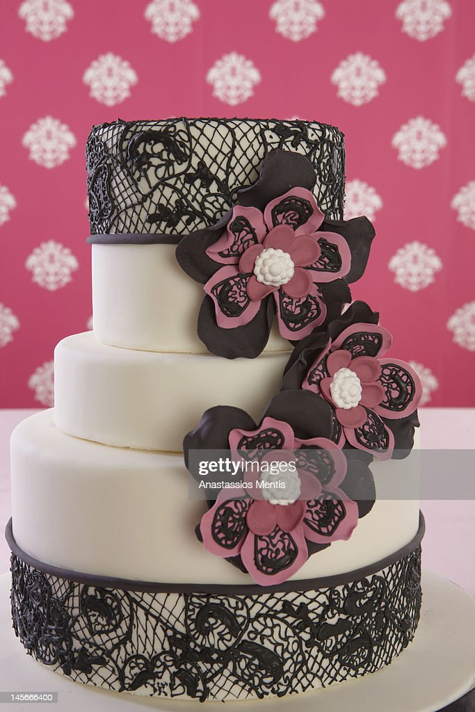 wedding cake with flower decoration : Stock Photo