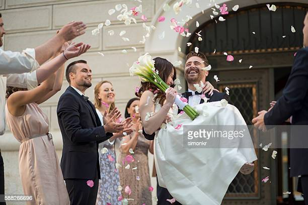 Wedding confetti bride and groom
