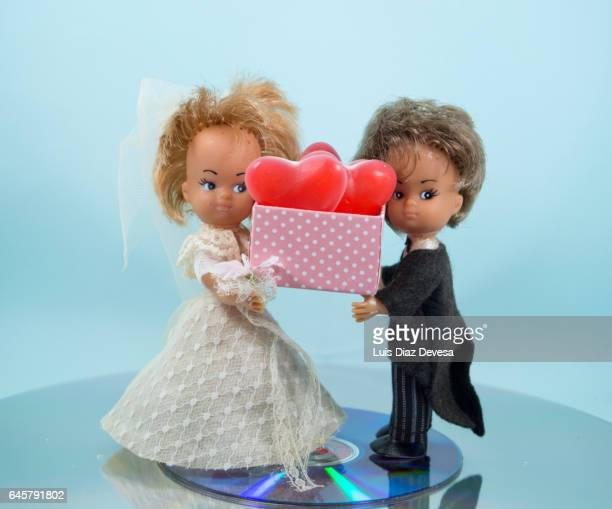 wedding couple and their gifts