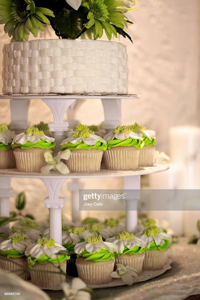 Wedding cupcake display