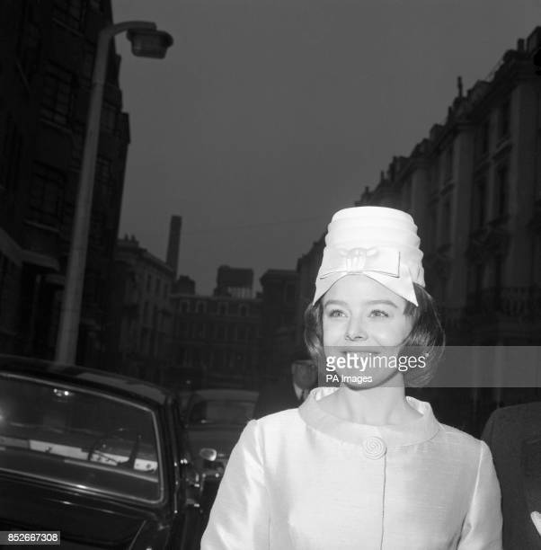 Wedding day smile from film actress Janet Munro as she arrives at Bayswater Prestbyterian Church Westbourne Grove Terrace London She was to marry...