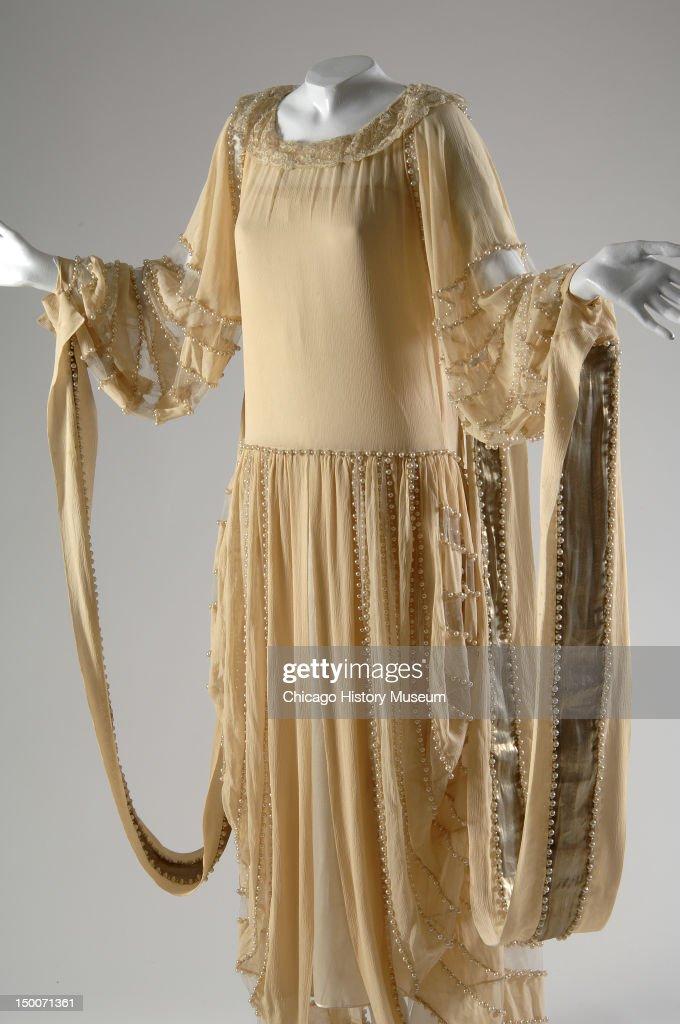 لباس شب طلایی مروارید دوزی