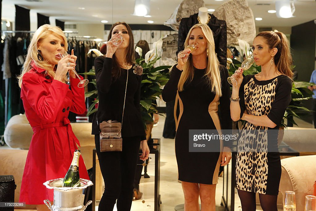 COUNTY-- 'Wedding Dress Stress' Episode 813 -- Pictured: (l-r) Gretchen Rossi, Heather Dubrow, Lauri Peterson, Lydia McLaughlin --