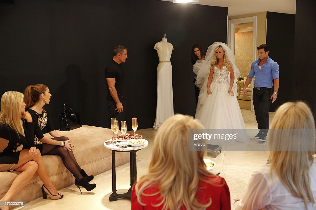 COUNTY-- 'Wedding Dress Stress' Episode 813 -- Pictured: (l-r) Lauri Peterson, Lydia McLaughlin, fashion designer Mark Zunino, Heather Dubrow, Tamra Barney, Rene Horsch --