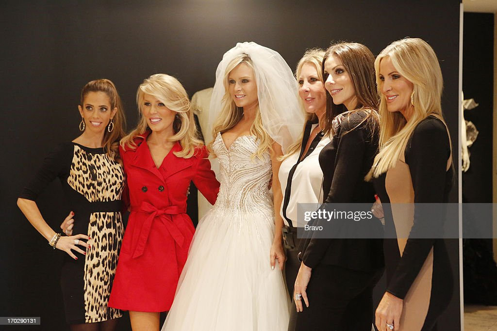 COUNTY --'Wedding Dress Stress' Episode 813 -- Pictured: (l-r) Lydia McLaughlin, Gretchen Rossi, Tamra Barney, Vicki Gunvalson, Heather Dubrow, Lauri Waring Peterson --