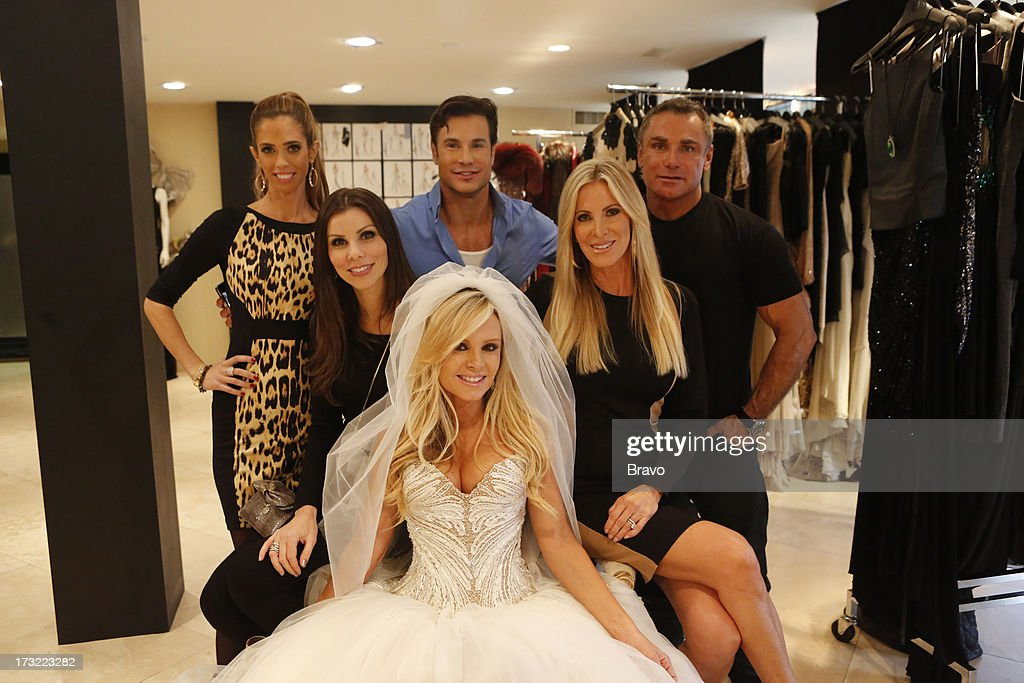 COUNTY-- 'Wedding Dress Stress' Episode 813 -- Pictured: (l-r) Lydia McLaughlin, Heather Dubrow, Tamra Barney, Rene Horsch, Lauri Peterson, fashion designer Mark Zunino --