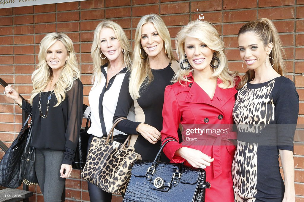 COUNTY-- 'Wedding Dress Stress' Episode 813 -- Pictured: (l-r) Tamra Barney, Vicki Gunvalson, Lauri Peterson, Gretchen Rossi, Lydia McLaughlin --