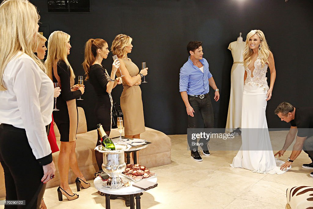 COUNTY --'Wedding Dress Stress' Episode 813 -- Pictured: (l-r) Vicki Gunvalson, Gretchen Rossi, Lauri Waring Peterson, Lydia McLaughlin, Alexis Bellino, Tamra Barney --