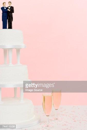 Wedding figurines wedding cake and champagne