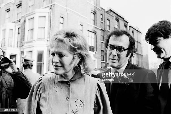 Wedding of playwright Harold Pinter and author Lady Antonia Fraser at Kensington Registry Office 27th November 1980