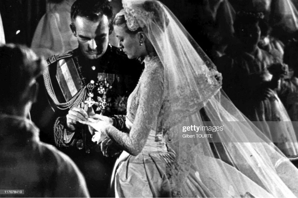 Wedding of Rainier III Prince of Monaco to Princess Grace on April 19 1956 in Monaco